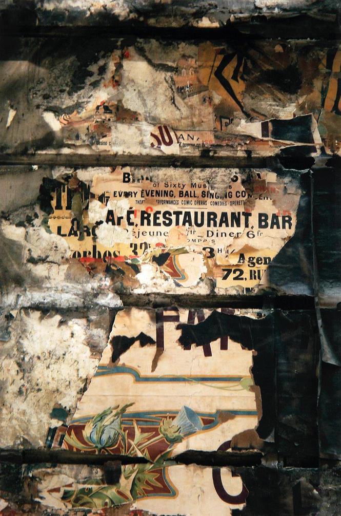 Christian LEMAIRE (1932) Tirage argentique sur papier baryté – Old England, Boulevard de la madeleine – Affiches déchirées , 2012 – YLA
